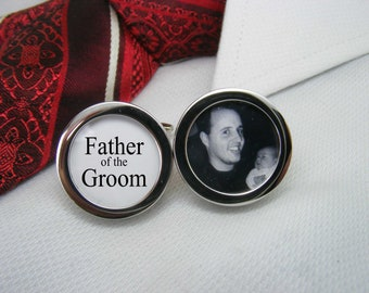 Father of the Groom Cufflinks - With a picture are the ideal wedding gift for your grooms dad.  WED-GRM0010