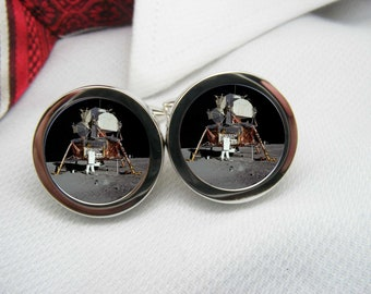 Lunar Lander on the moon cufflinks   NOV-SPA0003