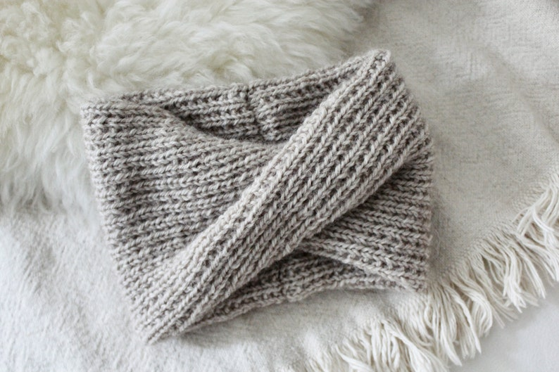 Knitting Pattern // Twisted Wide Bow Ribbed Headwrap ...