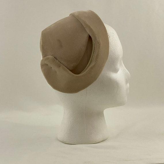 Sand Velvet 50's Capulet Hat Rhinestone Star Head… - image 2