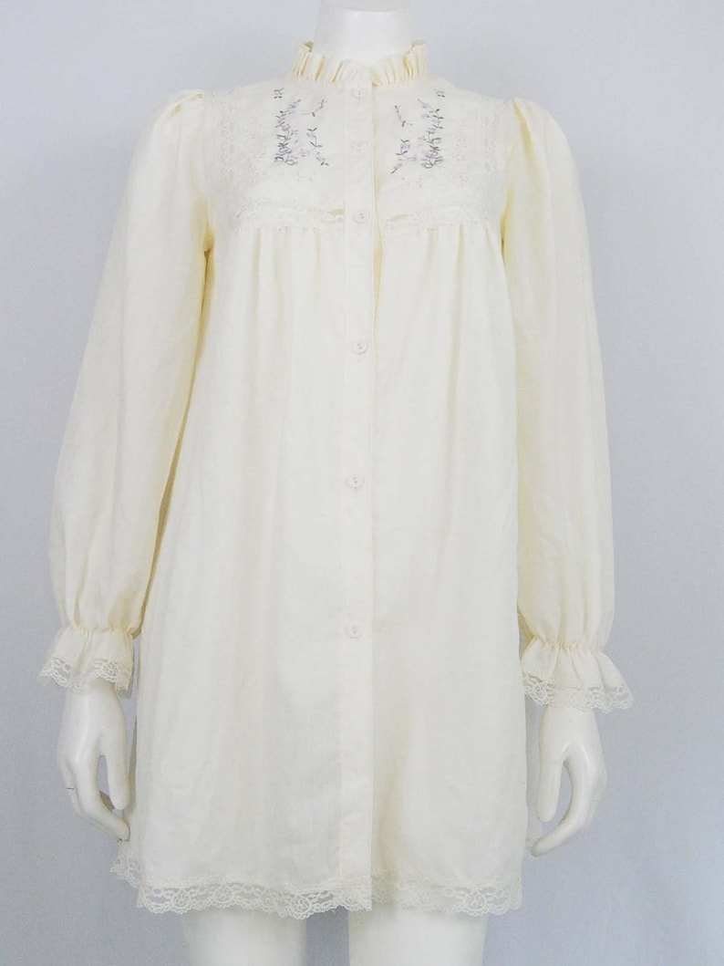 ee57c5db768f4 Vintage 80s Eighties Short Nightgown Pale Yellow Long Sleeve Small S Floral  Eyelet Lace Button Front Polyester Cotton Pinehurst Lingerie