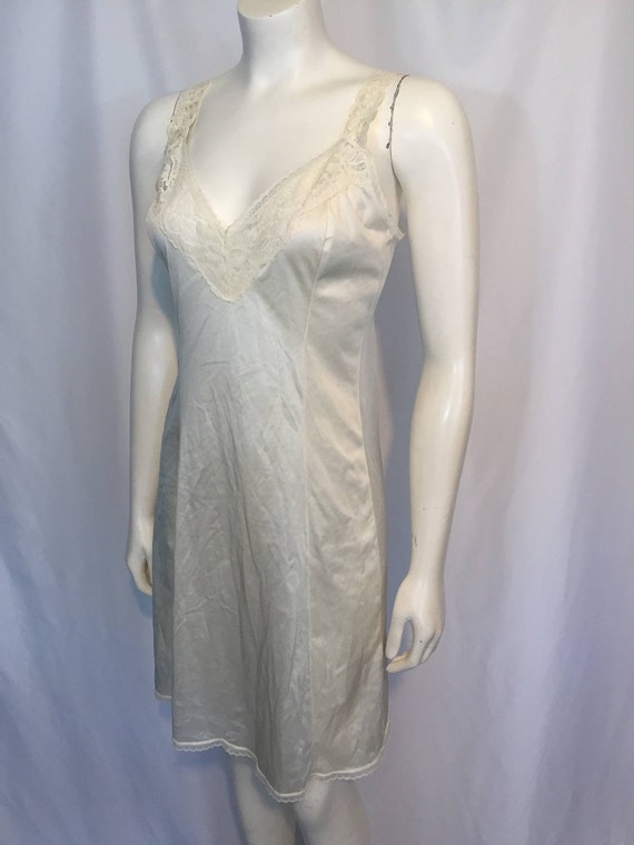 Vintage Vanity Fair Slip Seventies 70s 34 Small S Nude Golden with Lace Elastic Straps Antron III Nylon Made in USA