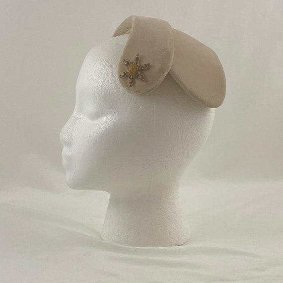 Sand Velvet 50's Capulet Hat Rhinestone Star Head… - image 1