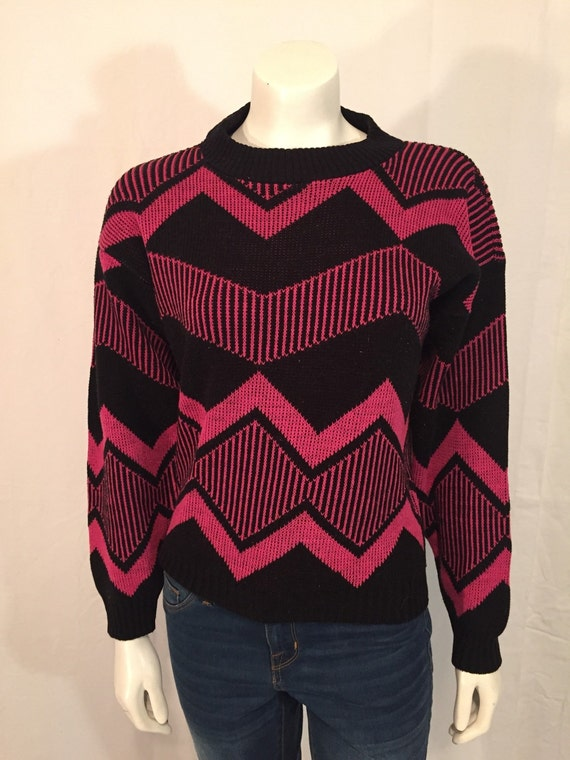 Vintage Burlington Sweater Factory 90s Nineties Pink and Black Geometric Zig Zag Abstract Pullover Sweater Medium M Made in USA