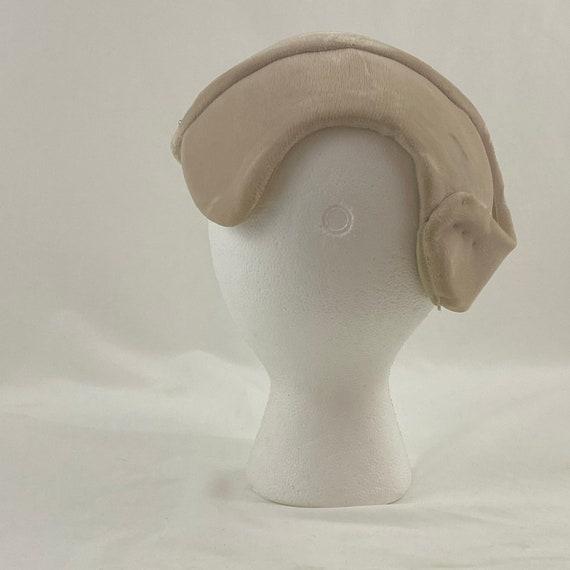 Sand Velvet 50's Capulet Hat Rhinestone Star Head… - image 5