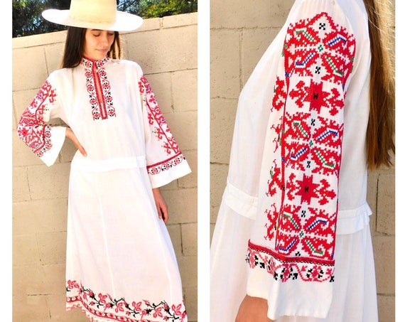 Romanian Hand Embroidered Dress // vintage boho Hungarian hippie white red hippy 60s 70s 1970s cotton maxi midi // O/S