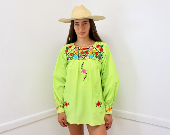 Oaxacan Blouse // vintage 70s Mexican hand embroidered dress 1970s boho hippie cotton hippy hippie green long sleeve // O/S
