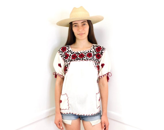 Hand Embroidered Mexican Blouse // vintage cotton boho hippie Mexican embroidered dress hippy off white // S/M