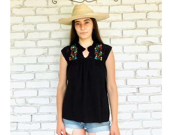 Mexican Crochet Blouse // vintage boho black hippie Mexican hand embroidered dress hippy tunic dress 70s tank // S Small