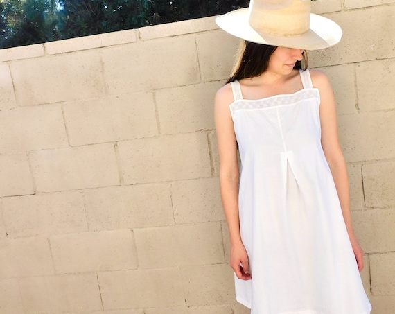 Victorian Cut-Out Dress // vintage boho hippie embroidered prairie shift mini ivory white Victorian 1900s sun // S/M