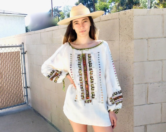 Eastern European Blouse // vintage 70s boho hippie off white top shirt dress hippy hand embroidered Hungarian // O/S