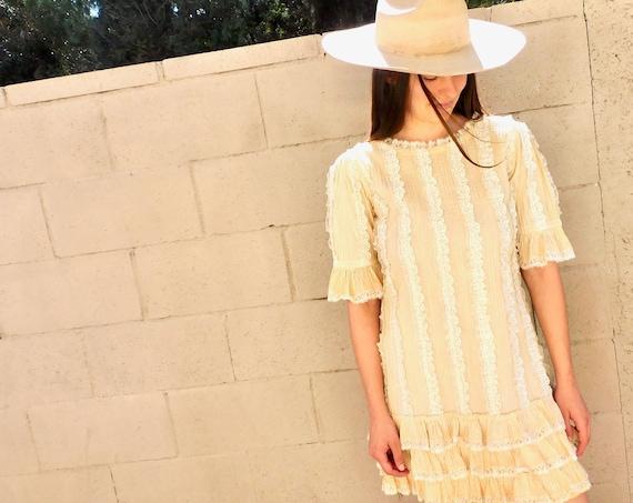 Pin Tuck Dress // vintage boho country mini sun off white hippie hippy 70s lace prairie // S Small