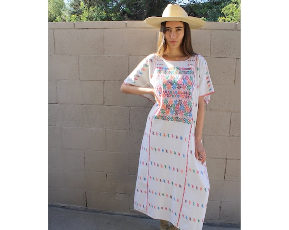 Oaxacan Huipil Dress // vintage 70s embroidered white boho hippie Mexican maxi hippy midi hand loomed loom 1970s woven cotton // O/S