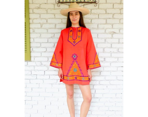 Indian Embroidered Tunic // vintage 70s embroidered coral dress blouse boho hippie hippy 1970s woven cotton mini // S/M