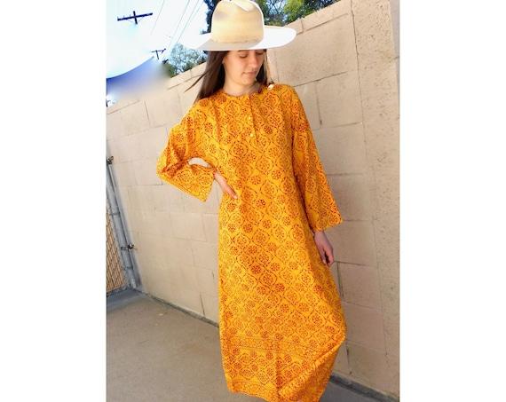 Indian Sunflower Dress // vintage boho hand blocked cotton hippie hippy maxi 70s yellow orange // S/M