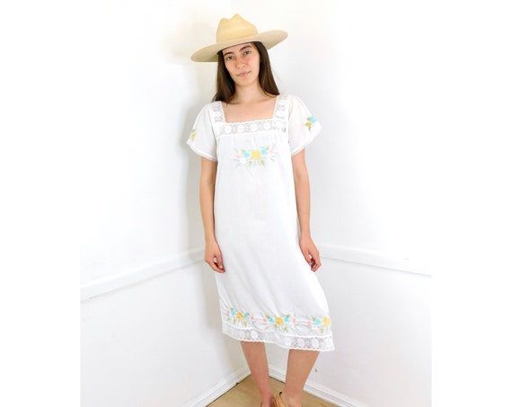 Sunday Mexican Dress // vintage 70s Mexican lace embroidered mini 1970s boho hippie sun hippy white // O/S