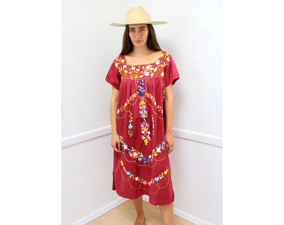 Allium Dress // vintage Mexican cotton boho hippie floral sun hippy 1970s Oaxacan hand embroidered midi 70s 80s // O/S