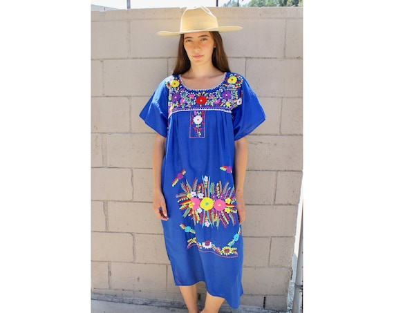 Blue Bee Dress // vintage 70s Mexican hand embroidered midi 1970s boho hippie cotton hippy // O/S