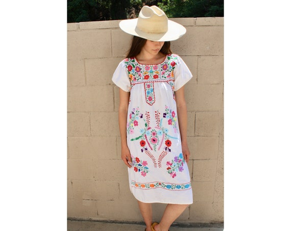 Primavera Dress // vintage 60s 70s Mexican hand embroidered mini 1970s boho hippie cotton hippy white // S Small