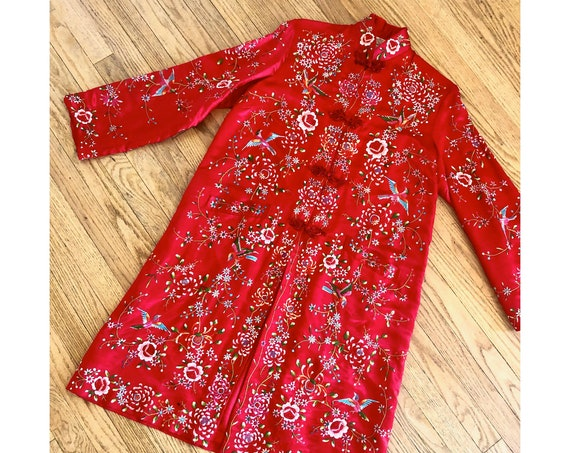 Chinese Embroidered Silk Robe // vintage dress boho hippie red Asian kimono jacket hand embroidery blouse 40s 1940s // S/M