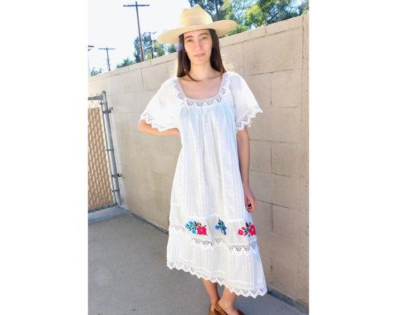Flora & Fauna Crochet Dress // vintage 70s hand embroidered white boho hippie Mexican midi hippy 1970s // O/S