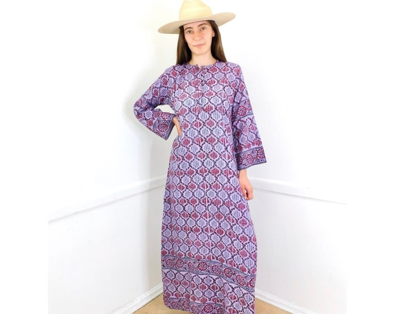 Indian Lavender Dress // vintage boho hand blocked cotton hippie hippy maxi 70s purple // S/M