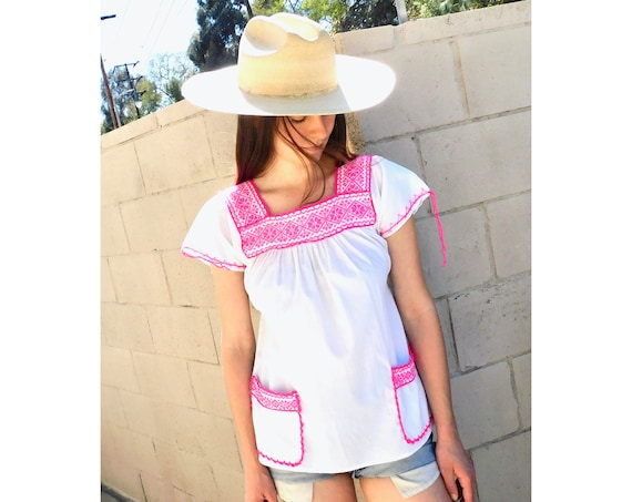 Summer Blouse // vintage hand embroidered white dress 70s top shirt boho hippie cotton Mexican // O/S