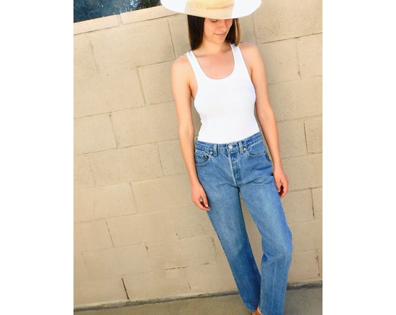 Levi's 501 USA Jeans // vintage boyfriend faded Levis medium light wash Levi 80s 90s hippy 32 X 31  // 27 28