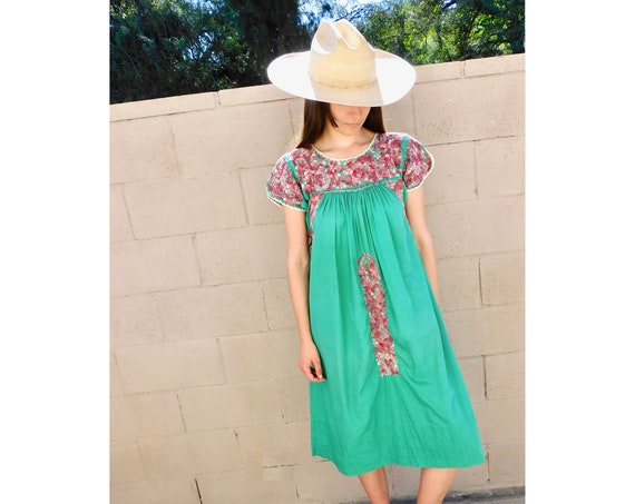 Oaxacan Dress // vintage 70s sun Mexican hand embroidered floral midi 1970s boho hippie cotton hippy green // S/M