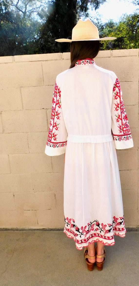 Romanian Hand Embroidered Dress // vintage boho H… - image 4