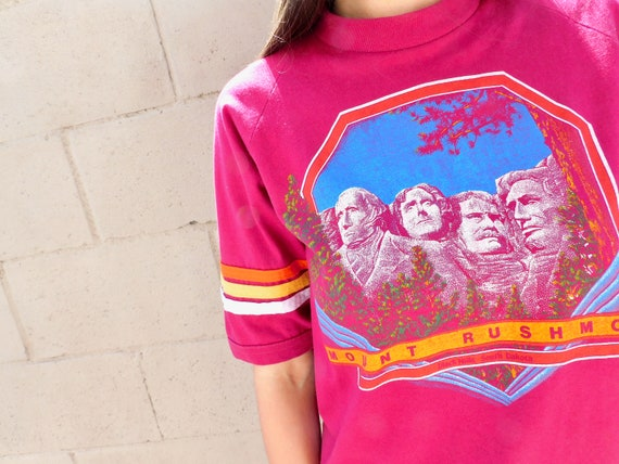 Mt. Rushmore Tee // vintage 70s 80s t-shirt boho hippie t shirt dress cotton blouse top mount pink // S/M