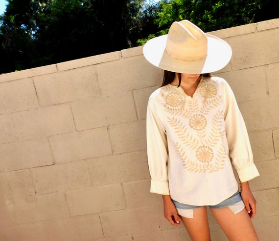 Wildlflower Blouse // vintage boho hippie 70s 1970s Mexican hand embroidered dress hippy // S/M