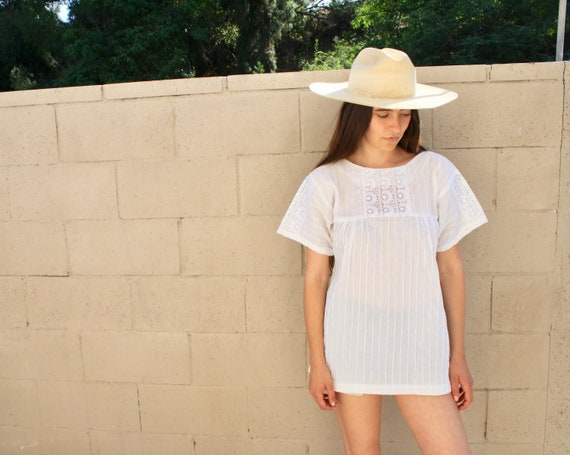 Sunday Blouse // vintage 70s boho hippie Mexican tunic dress white 1970s pin tuck lace // O/S