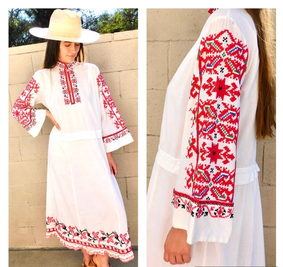 Romanian Hand Embroidered Dress // vintage boho H… - image 1