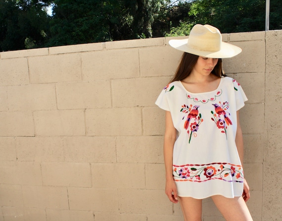 Birdy Blouse // vintage white boho hippie 70s Mexican hand embroidered dress hippy cotton // O/S