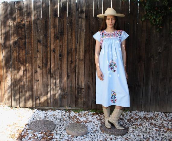 Oaxacan Dress // vintage 70s 1970s hand embroidered boho hippie Oaxaca midi hippy blue cotton Mexican // S/M