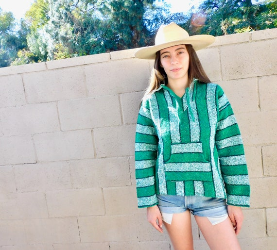 Campo Poncho // vintage green top shirt boho hippie blouse woven cotton Mexican 80s // S/M
