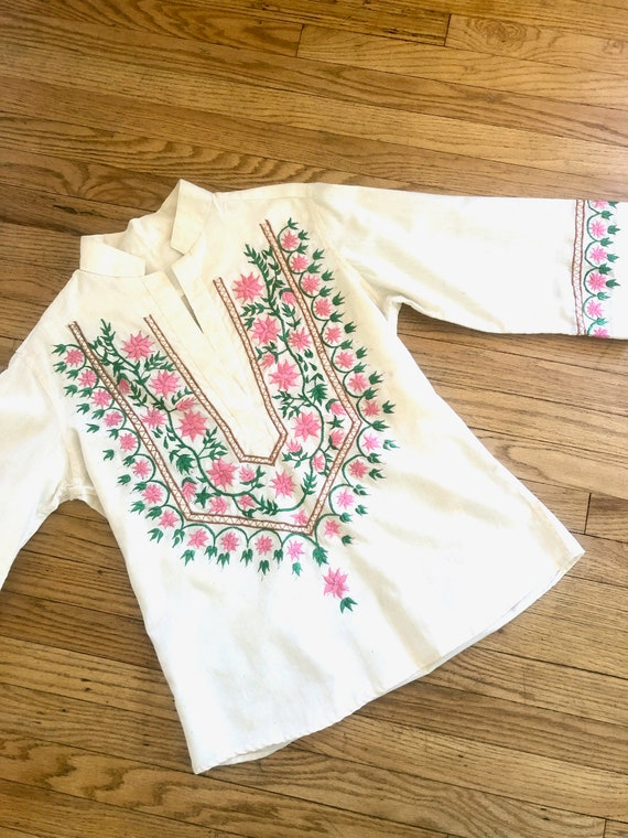 Pink Daisy Blouse // vintage 70s 1970s cotton boho hippie Mexican embroidered dress hippy ivory white // O/S