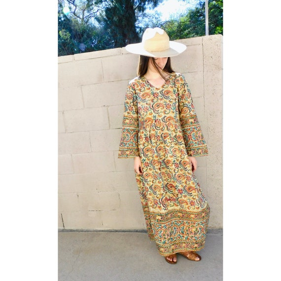 Indian Paisley Dress // vintage boho hand blocked cotton hippie hippy maxi 70s high waist // S/M