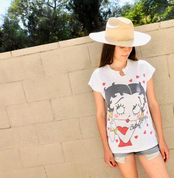 Betty Boop Shirt // vintage 80s cotton boho tee t-shirt t top heart hearts cartoon thin hippy // S/M