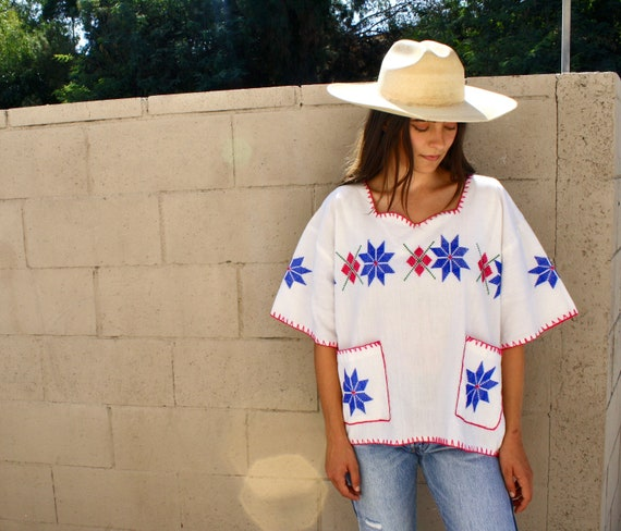 Gardenia Blouse // vintage 70s 1970s hand embroidered cotton white oversize dress top shirt hippie Mexican // O/S
