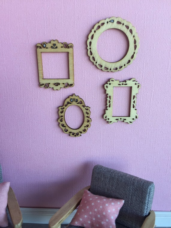 Miniature 1:12 Scale Set of 4 Different Picture Frame Dolls House NEW E4R5