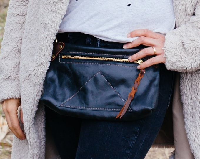 "Black Leather fanny pack + cross-body ""Zippy pack"""