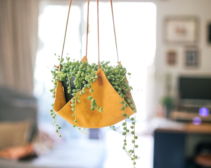 Tan Leather plant hanger, plant hanging, plant holders, leather decor