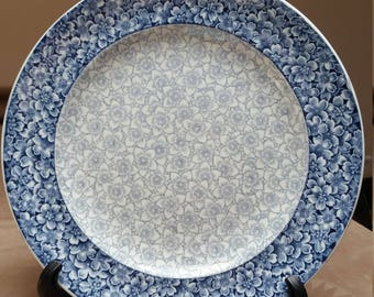 Antique Worcester Plate, Blue and White Dogwood and Narcissus. Made between 1868 and 1884.