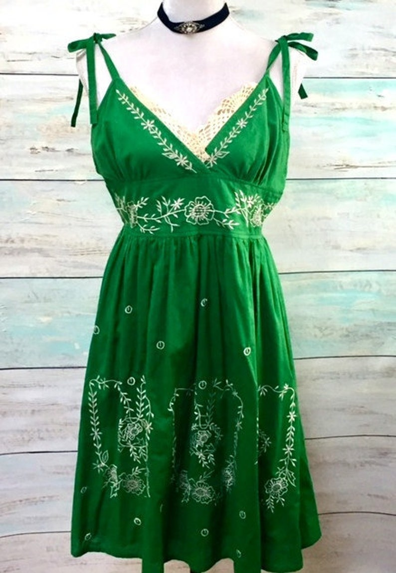 bc79a6b3ba Vintage 70 s Emerald Green Embroidered Sun Dress Midi