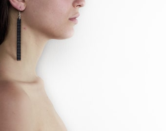 035_Orecchini Pendants in PVC Millerighe black.