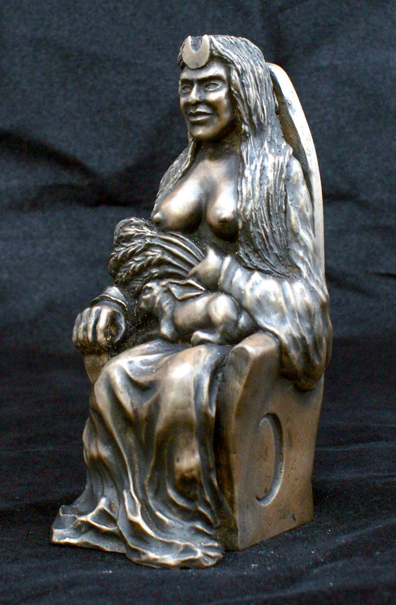 Earth Mother Goddess statue - Pagan goddess of fertility, life and power