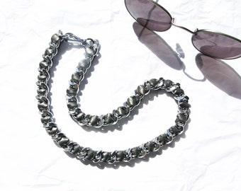 Silver Curb Chain Necklace with Weaved Silver Gray Textured Leather