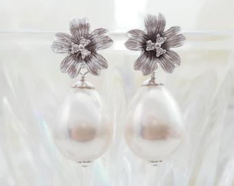 Bridal Earrings Pearl and Crystal - Teardrop Pearl Earrings - Crystal Flower Earrings Silver CZ - Floral Wedding Jewelry Maid of Honor E4032